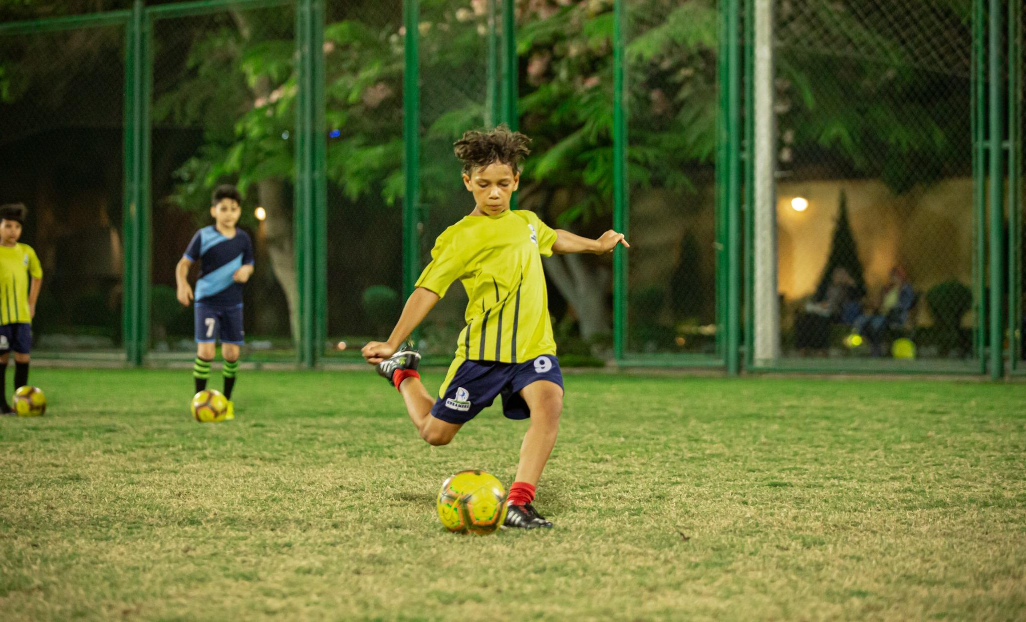 المهارا ت الأساسية لكرة القدم